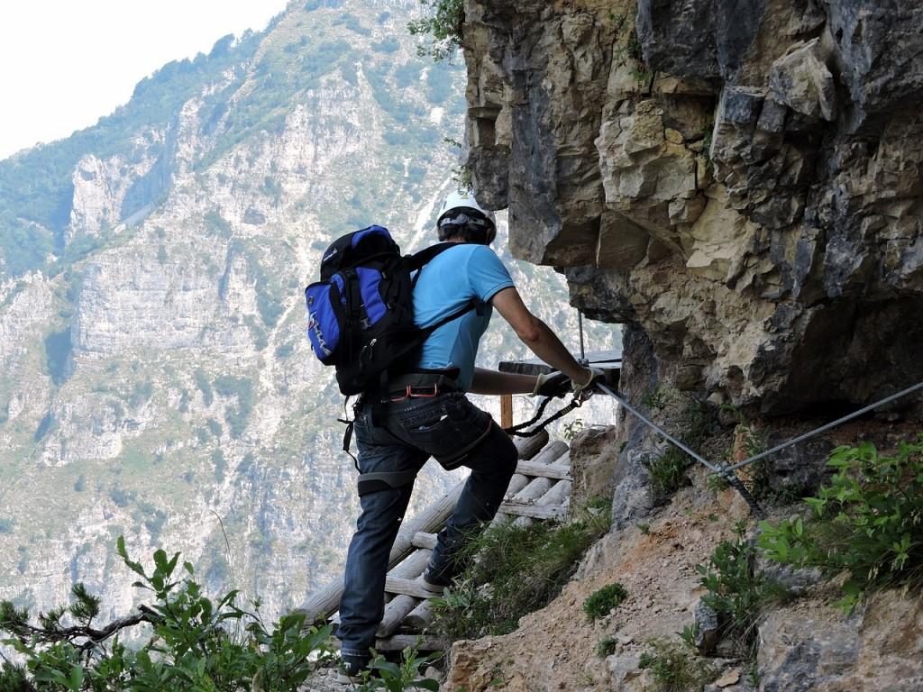 climbing-850471_1280